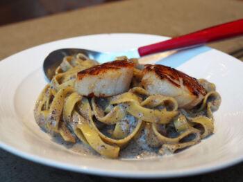 scallops in truffle cream sauce