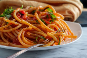 perciatelli with red pepper sauce